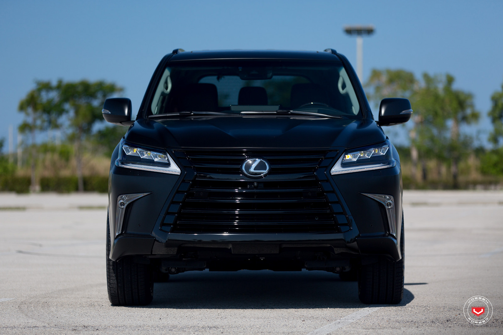 dr jekell vs mr hyde murdered out lexus lx 570 takes sinister to a new level autospies auto news. Black Bedroom Furniture Sets. Home Design Ideas
