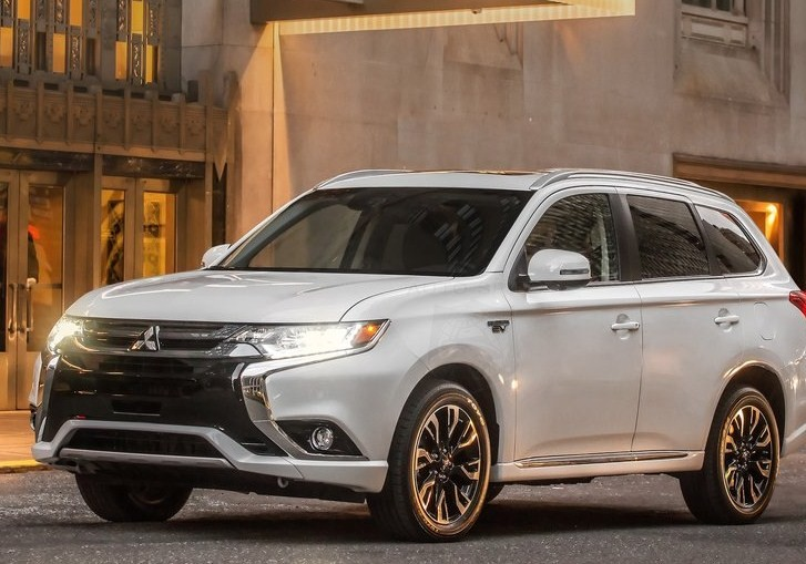 rumors 2018 mitsubishi outlander phev autospies auto news. Black Bedroom Furniture Sets. Home Design Ideas