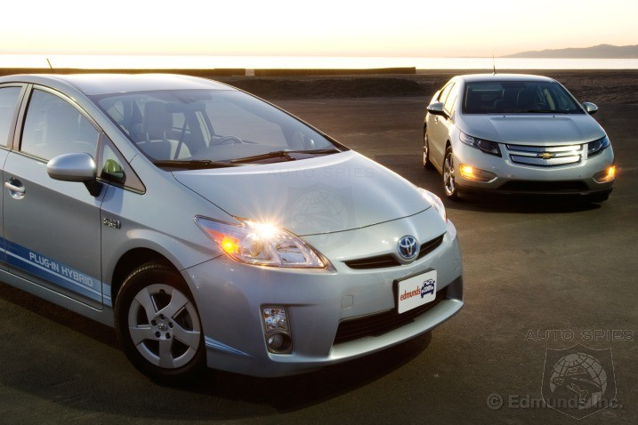 Inside Line Comparison Test 2011 Chevrolet Volt Vs 2010 Toyota